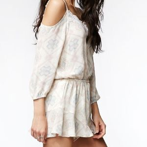 KENDALL & KYLIE cold shoulder romper